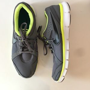 Nike Flex Experience Run2